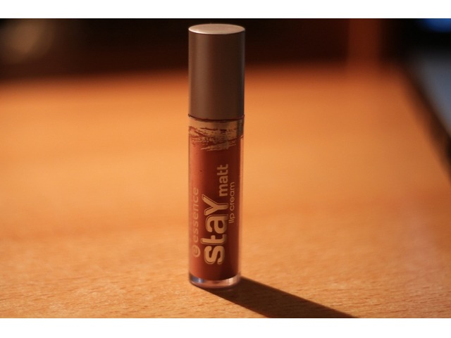 Essence stay matt lip cream