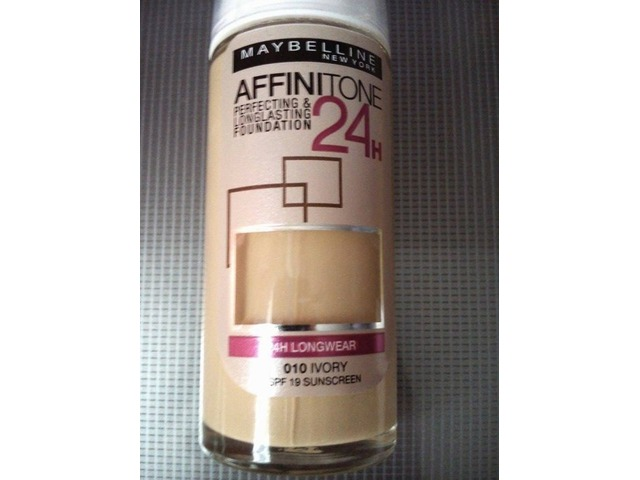 Maybelline Affinitone 24 h puder