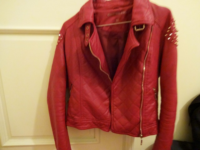 Kožna crvena jakna