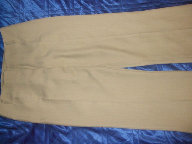fine hlače na crtu