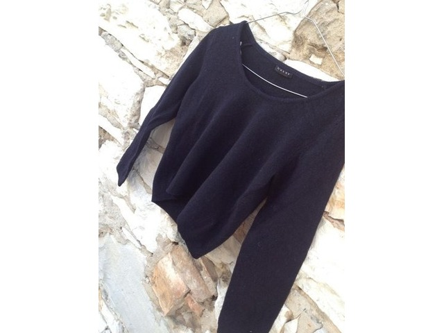 Crni pulover sisley