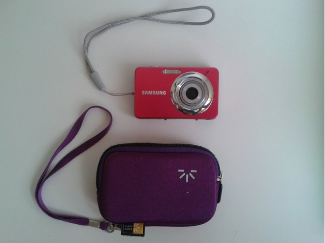 Samsung ST30 digitalni fotoaparat + Micro SD kartica (4GB)