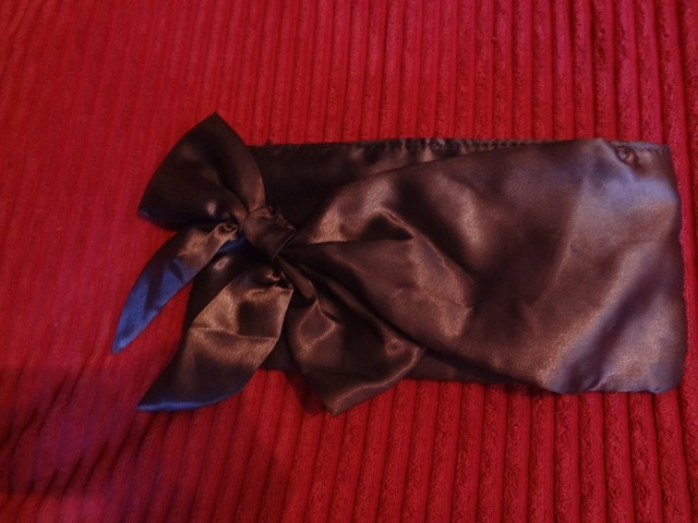 Ženska svilenkasta torbica :)