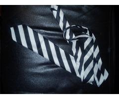 Ženska crno bijela kravata