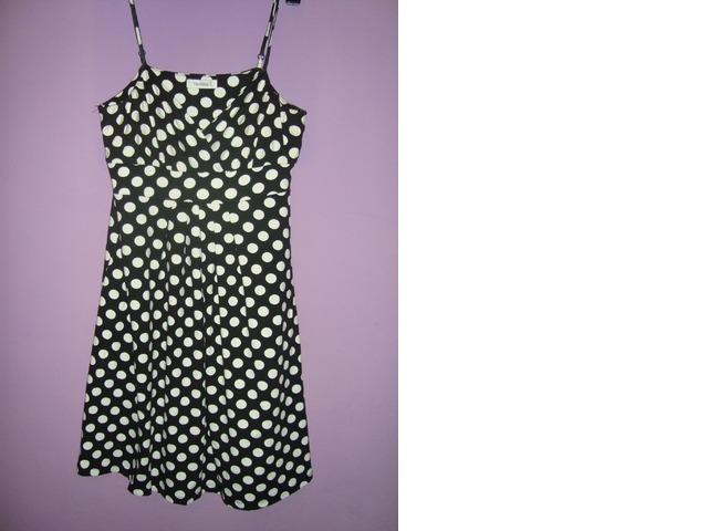 Slatka točkasta haljinica