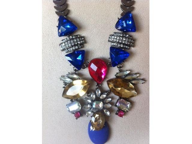 Statement ogrlica plavo ljubičasta