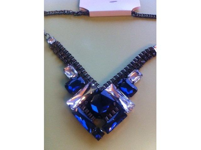 Plava medaljon ogrlica