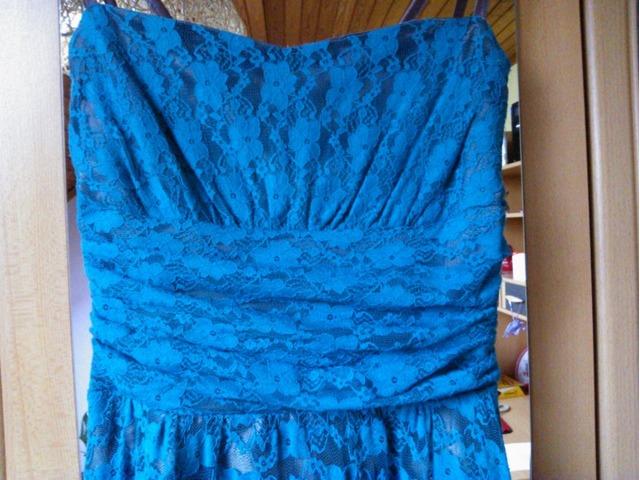 Tirkizna haljina za razne prigode