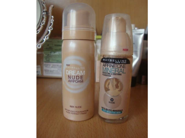 Lot maybellinovih pudera