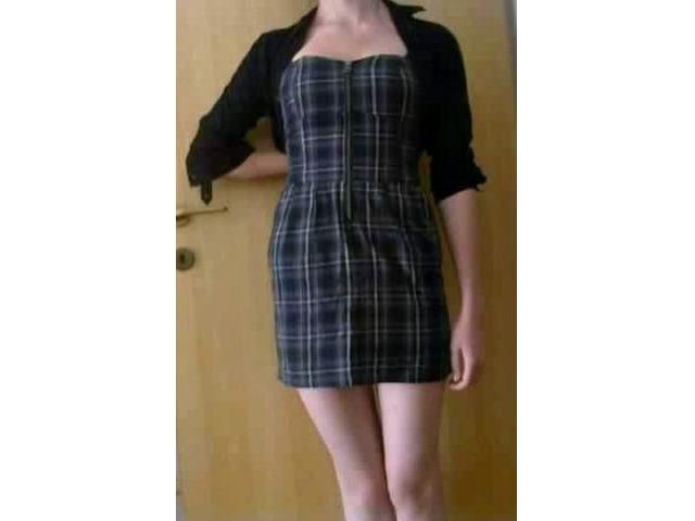 Mini karirana haljina