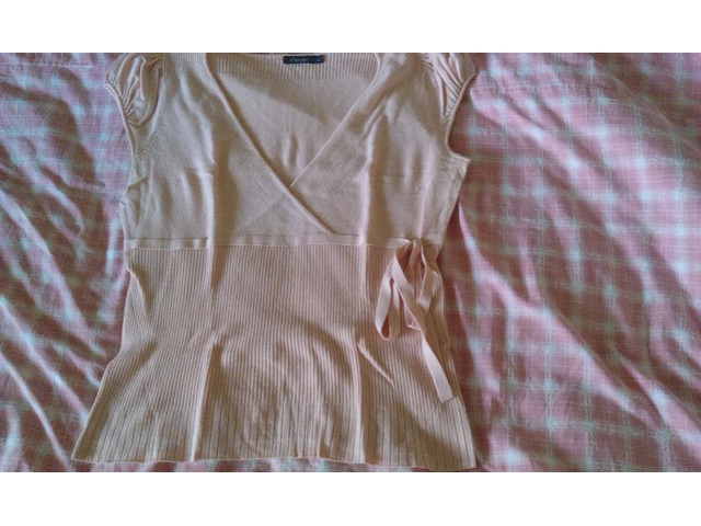 Prljavo roza vestica s rukavićima