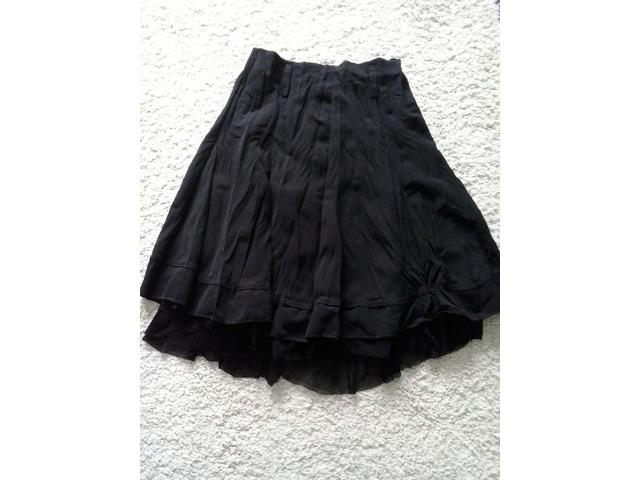 Crna suknja 36/38