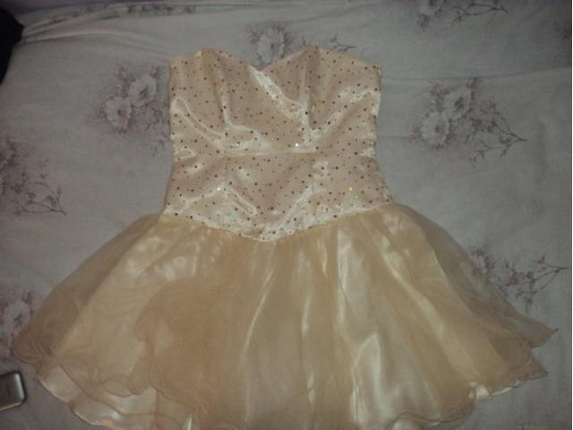 Kvalitetna haljina tipa Sherri Hill