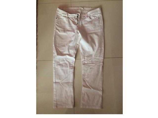 Bijele hlače kao od trapera