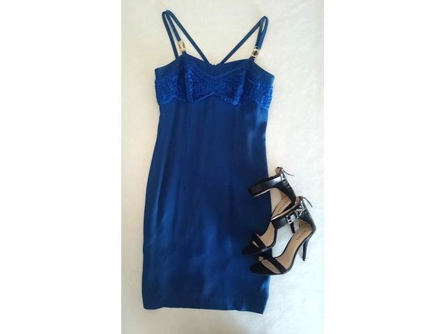 Kraljevsko plava svečana haljina