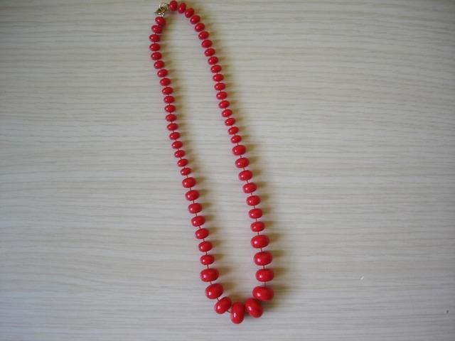 Nova ogrlica od crvenih perli