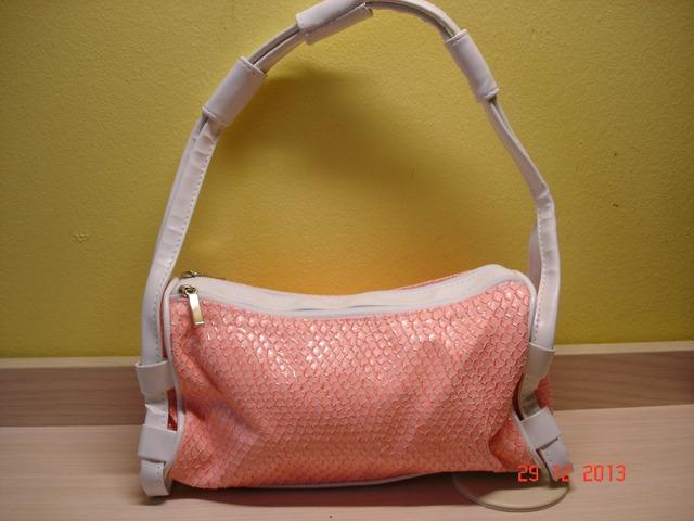 Nova bijelo-roza torbica
