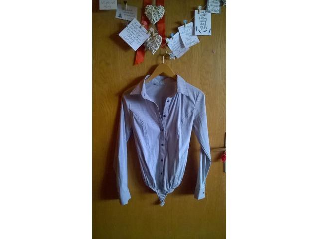 Prugasta sivo bijela košulja
