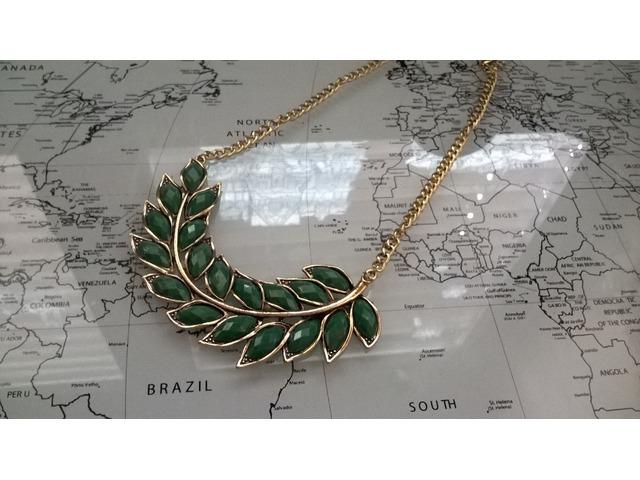 Statement ogrlica zelene boje