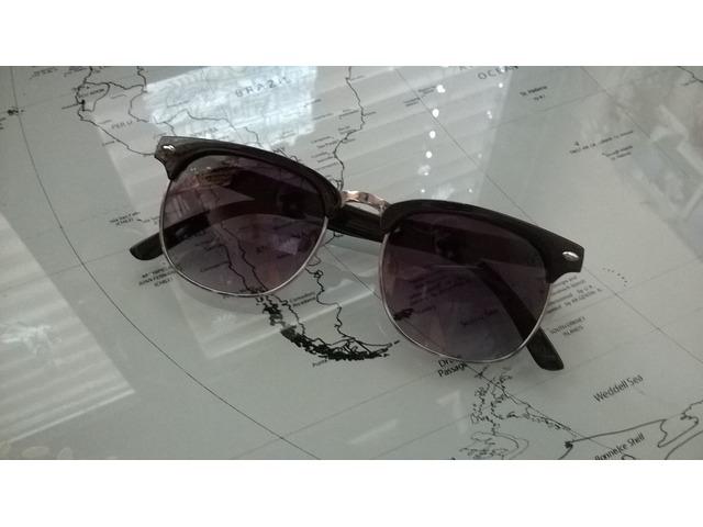 Crne sunčane naočale Clubmaster stil