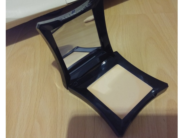 Novi Illamasqua Cream Foundation CF150