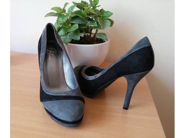 Crno-sive cipele na visoku petu - Bata