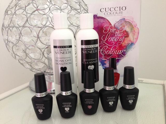 Set za trajni lak Cuccio Colour Veener + UV lampa