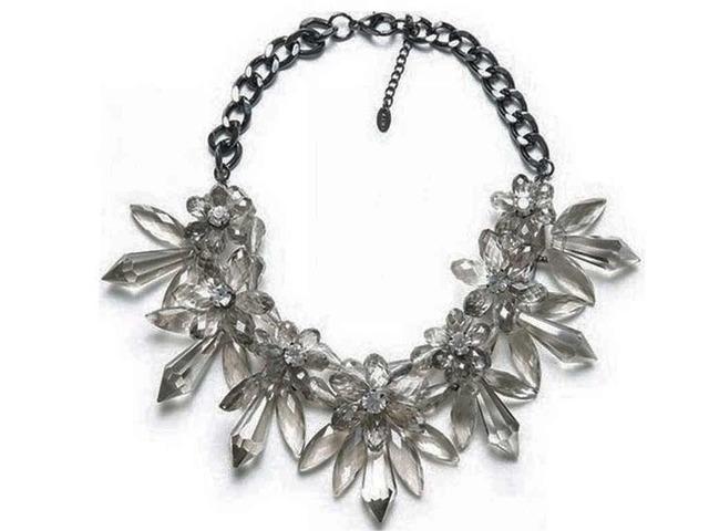 Kristalna like zara statement ogrlica