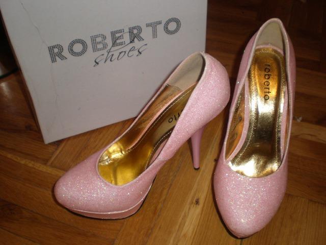 Roberto roze štikle