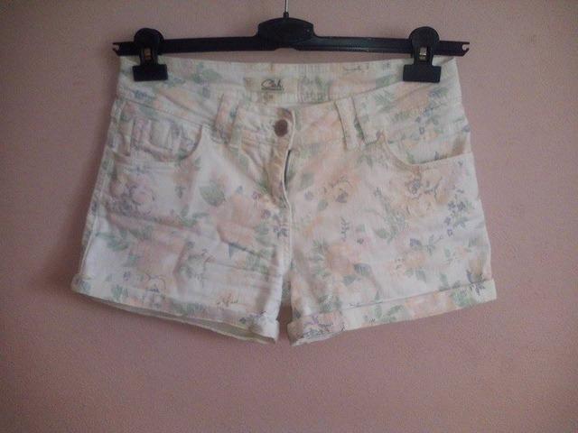 C&A cvijetne kratke hlače!