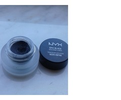 NYX MOUSSE LINER
