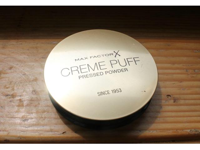 Max factor- CREME PUFF