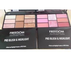 Freedom makeup lot bronzera i blusheva