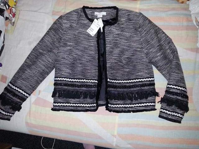 jaknica velicina 42. nova s etiketom 259 prodajem za 170