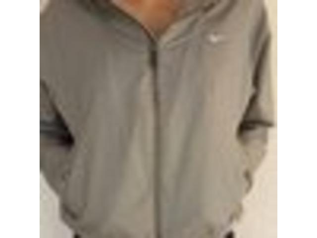 Nike sportska postavljena jakna (S, može biti i M)