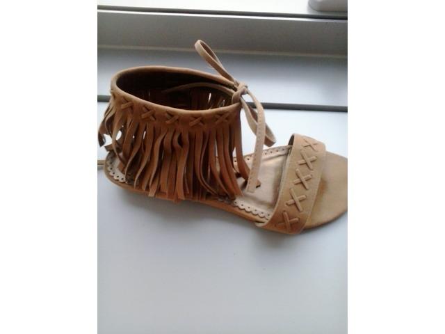 Ravne cipele 37