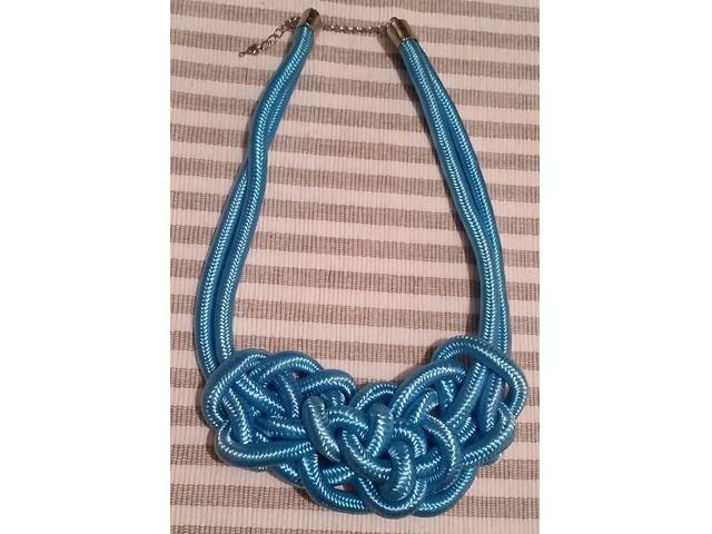 Pletene ogrlice u 3 boje