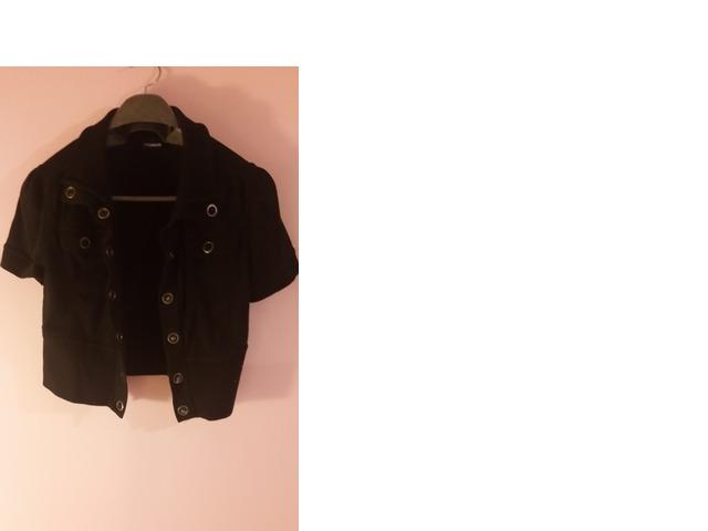 Crna kratka jaknica