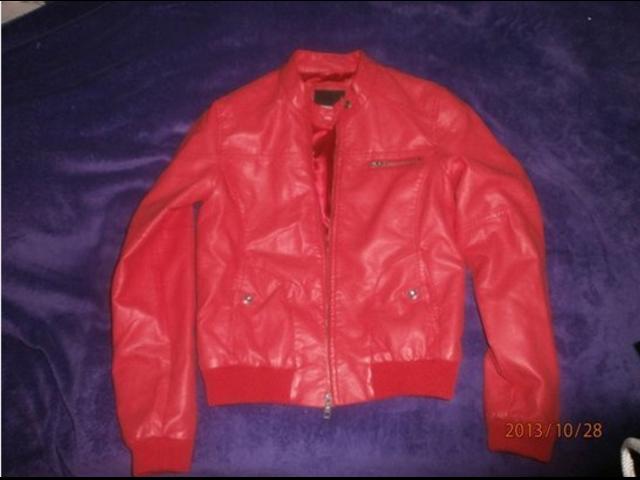 Kožna crvena jakna New Yorker