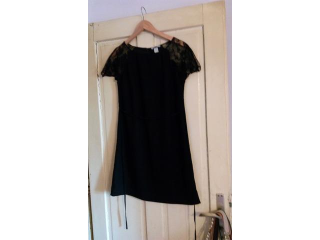 crna HM čipkasta haljina 38