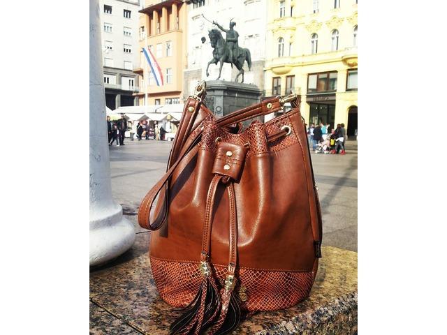 BUCKET BAG smeđa torba