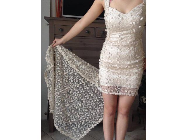 čipkasta maturalna haljina šivana po mjeri