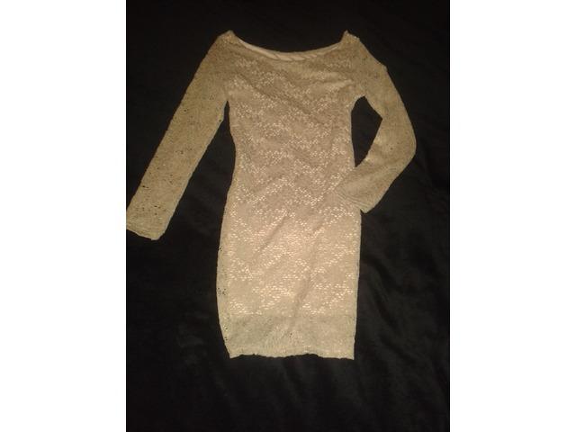 Zlatna čipka haljina