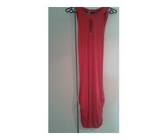 Crvena haljina s otvorenim leđima