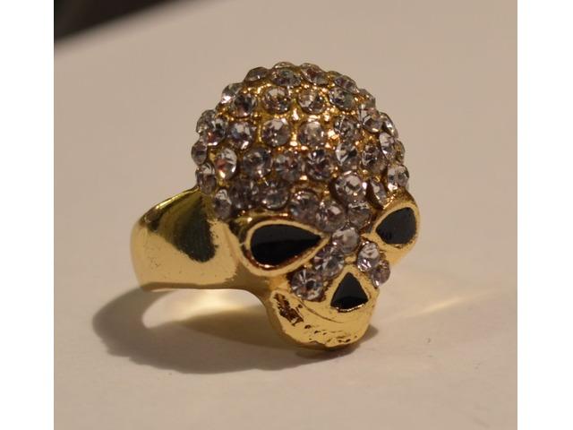 Prsten na lubanju, veličina 16