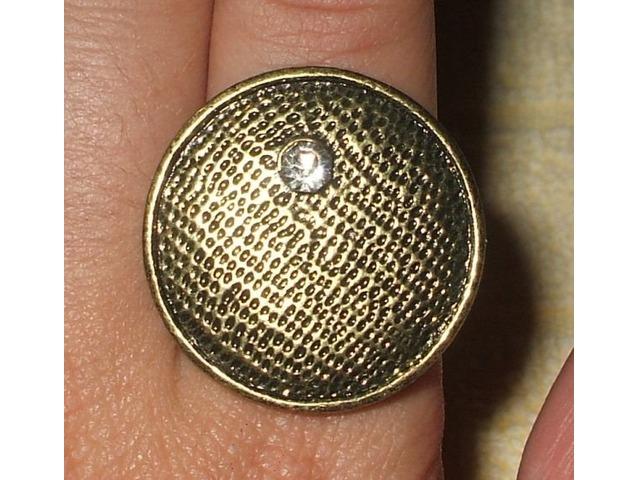 Prsten s cirkonom