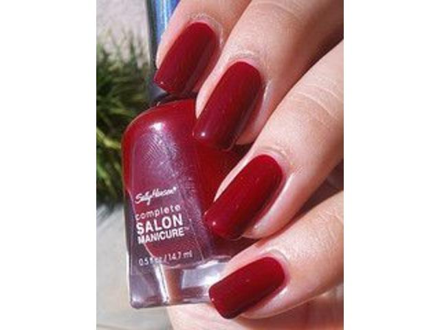 Sally Hansen lak za nokte-575 Red Handed