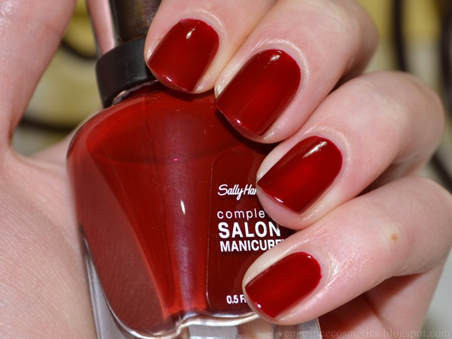 Sally Hansen lak za nokte-610 Red Zin