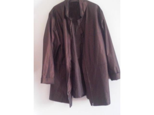 zlatno -smeđa jakna