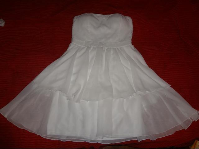 Nova elegantna bijela haljina, s etiketom :)